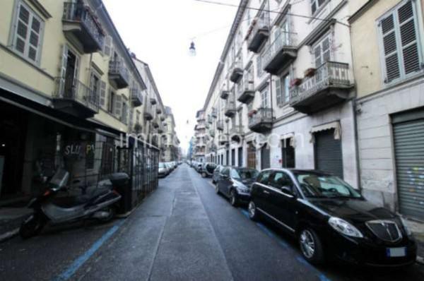 Bilocale Torino Via Andrea Massena 10