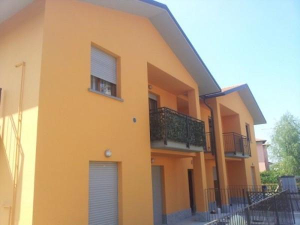 Appartamento in affitto a Carugo, 2 locali, prezzo € 550 | Cambio Casa.it