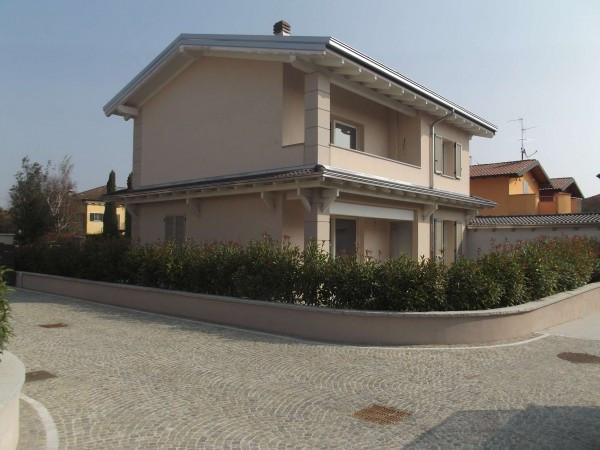 Villa in vendita a Casalpusterlengo, 4 locali, prezzo € 312.000 | Cambio Casa.it