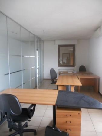 Ufficio / Studio in affitto a Garbagnate Monastero, 6 locali, prezzo € 1.000 | Cambio Casa.it