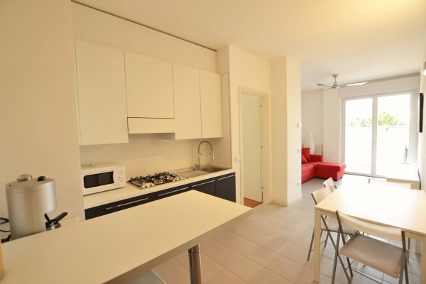 Appartamento in Affitto a Riccione: 3 locali, 65 mq