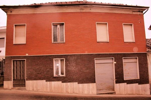 Rustico / Casale in vendita a Azzano d'Asti, 6 locali, prezzo € 40.000 | CambioCasa.it