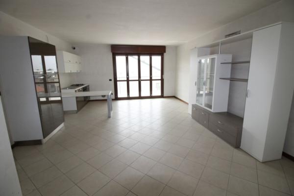Appartamento in vendita a Busto Arsizio, 3 locali, prezzo € 178.000 | Cambio Casa.it