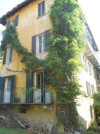 Palazzo / Stabile in vendita a Premeno, 4 locali, prezzo € 200.000 | CambioCasa.it