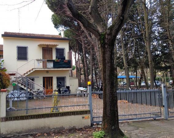 Soluzione Indipendente in vendita a Cesenatico, 6 locali, prezzo € 499.000 | CambioCasa.it