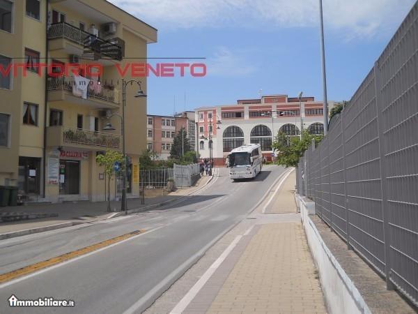 Appartamento in vendita a Agropoli, 6 locali, prezzo € 225.000 | Cambio Casa.it