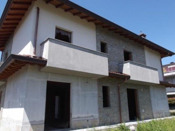 Villa a Schiera in vendita a Arosio, 3 locali, prezzo € 285.000 | Cambio Casa.it