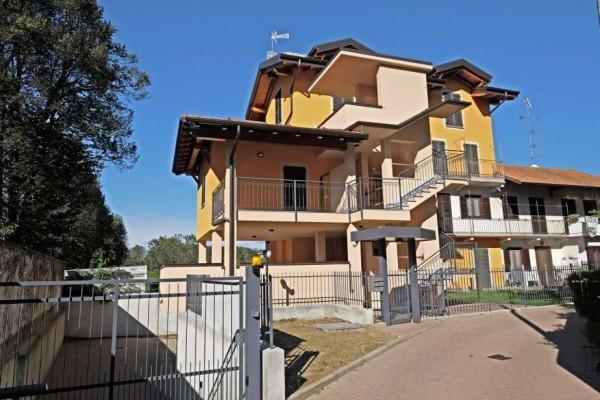 Appartamento in vendita a Borgomanero, 4 locali, prezzo € 270.000 | Cambio Casa.it