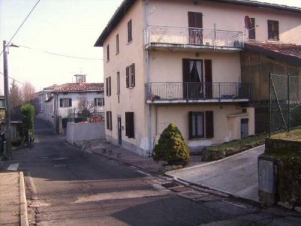 Appartamento in vendita a Montorfano, 3 locali, prezzo € 70.000 | Cambio Casa.it