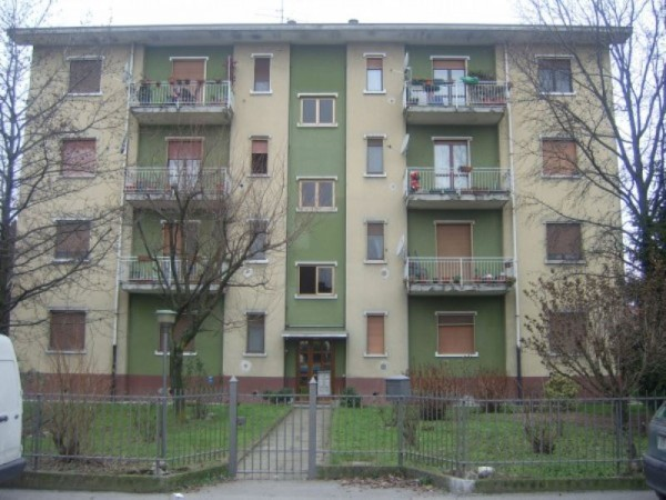Appartamento in vendita a Zelo Buon Persico, 3 locali, prezzo € 90.000 | Cambio Casa.it