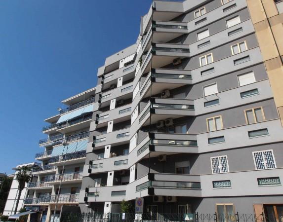 Appartamento in vendita a Bari, 3 locali, prezzo € 240.000 | CambioCasa.it