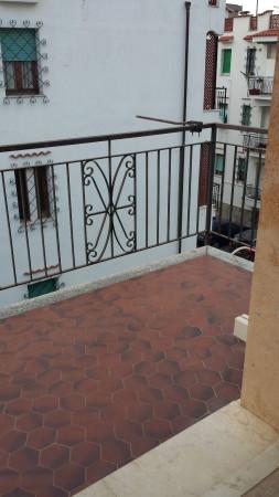 Bilocale Pietra Ligure Viale Della Repubblica 11