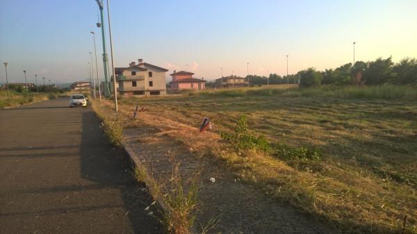 Terreno residenziale in Vendita a Carpaneto Piacentino: 700 mq