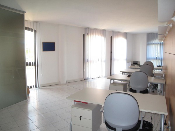 Ufficio / Studio in vendita a Silea, 4 locali, prezzo € 350.000 | Cambio Casa.it