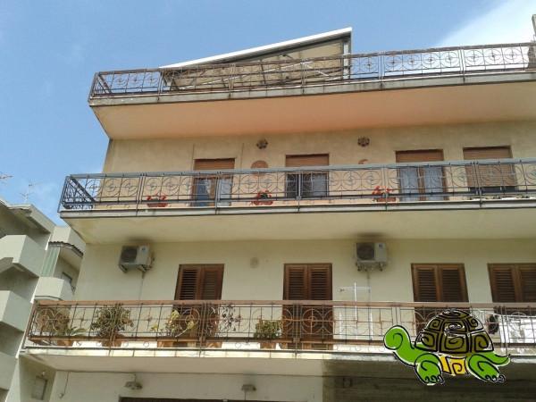 Appartamento in vendita a Santa Teresa di Riva, 6 locali, prezzo € 199.000 | CambioCasa.it