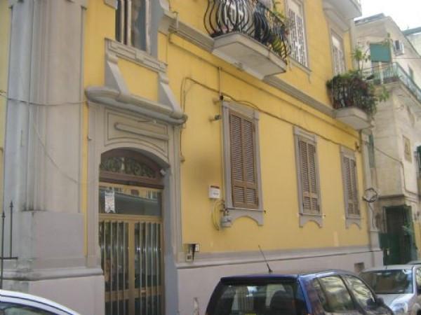 Appartamento in Vendita a Napoli Centro: 2 locali, 65 mq