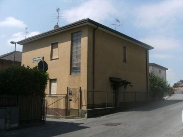 Appartamento in vendita a Nembro, 4 locali, prezzo € 103.000 | Cambio Casa.it