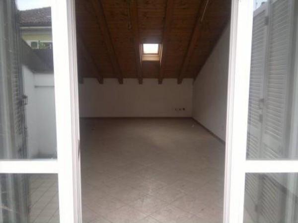 Appartamento in vendita a Sant'Angelo Lodigiano, 3 locali, prezzo € 95.000 | Cambiocasa.it