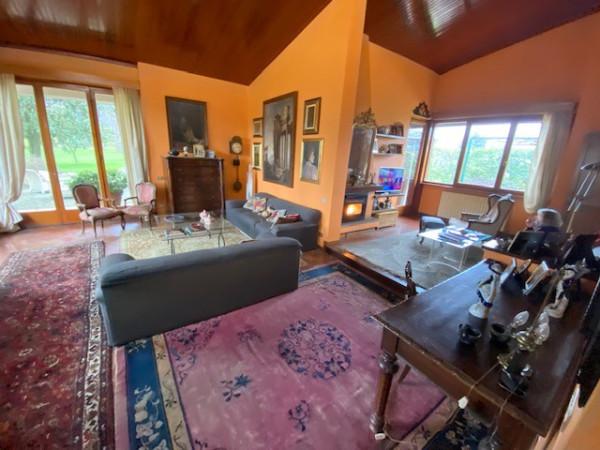 Villa in Vendita a Lucca Periferia Sud: 5 locali, 350 mq