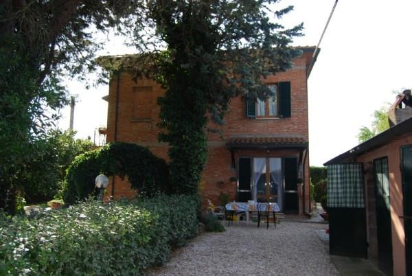Rustico / Casale in vendita a Castiglione del Lago, 6 locali, prezzo € 380.000 | Cambiocasa.it