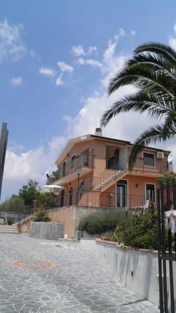 Villa in vendita a Belpasso, 4 locali, prezzo € 175.000 | Cambio Casa.it