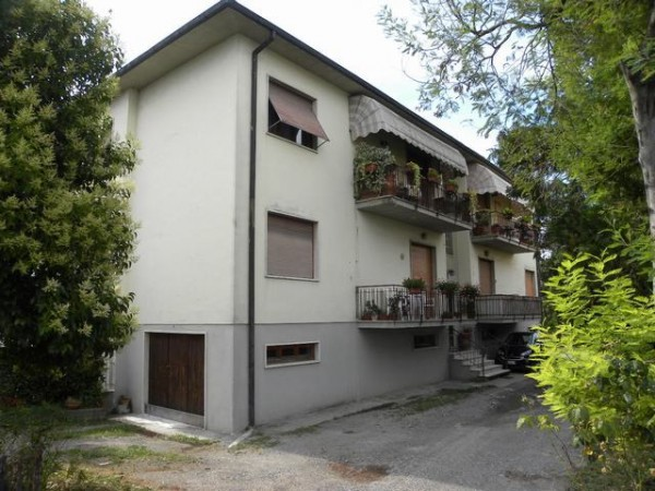 Appartamento in Vendita a Capannori Periferia Est: 5 locali, 110 mq