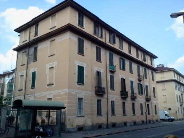 Bilocale Torino Via Desana 1