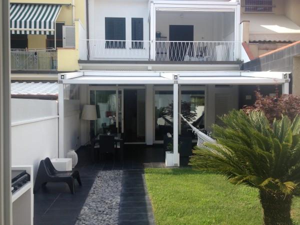 Villa in vendita a Viareggio, 6 locali, prezzo € 950.000 | Cambio Casa.it