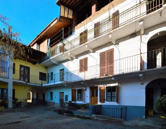 Bilocale Forno Canavese Via Carlo Alberto 10