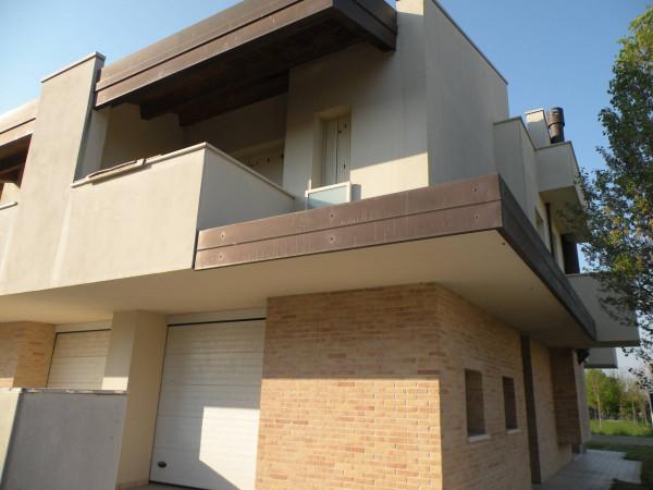 Villa in Vendita a Ravenna Periferia: 5 locali, 223 mq