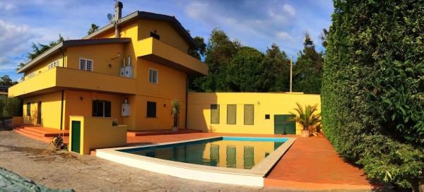 Villa in affitto a Velletri, 6 locali, prezzo € 1.750 | Cambio Casa.it