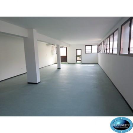 Laboratorio in Affitto a Bologna Semicentro Est: 120 mq