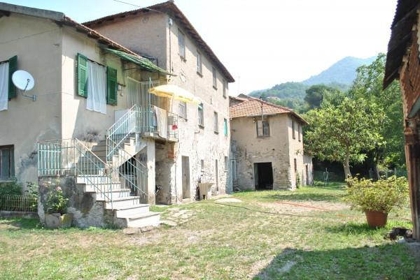 Rustico / Casale in vendita a Serra Riccò, 6 locali, prezzo € 320.000   Cambiocasa.it