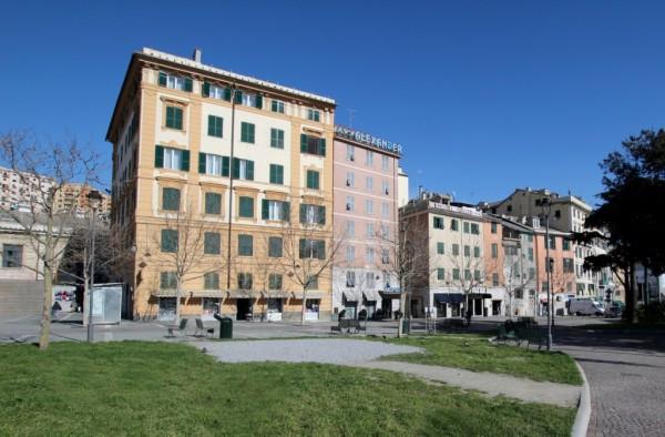 Bilocale Genova Via Andrea Doria 1