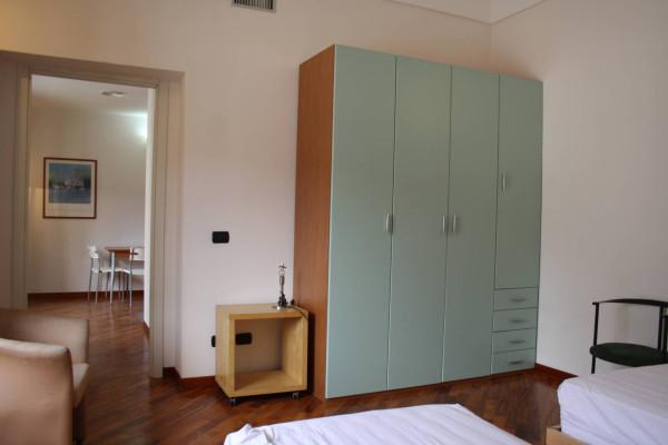 Bilocale Genova Via Andrea Doria 6