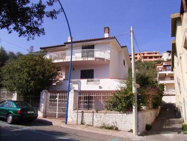 Palazzo / Stabile in vendita a Dorgali, 6 locali, prezzo € 800.000 | Cambio Casa.it