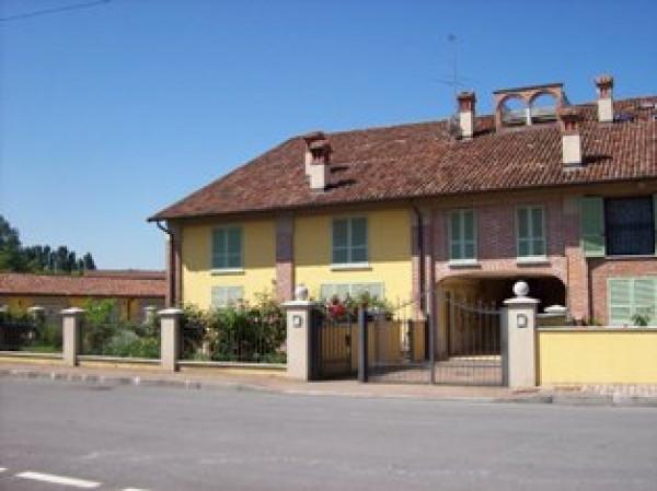 Appartamento in vendita a Chignolo Po, 2 locali, prezzo € 76.000 | Cambio Casa.it