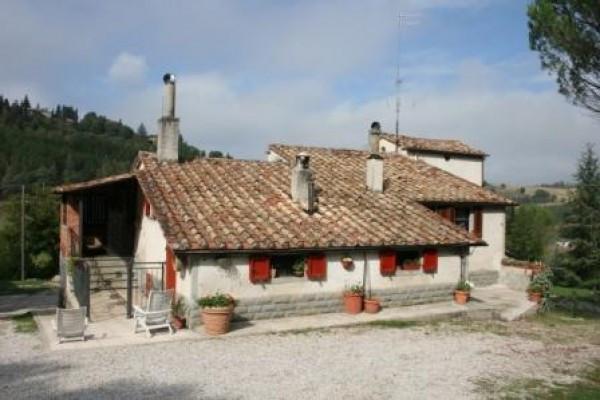 Rustico / Casale in vendita a Monte Santa Maria Tiberina, 4 locali, prezzo € 380.000 | CambioCasa.it