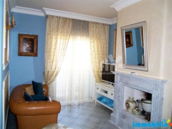 Appartamento in vendita a Oria, 5 locali, prezzo € 125.000 | Cambio Casa.it