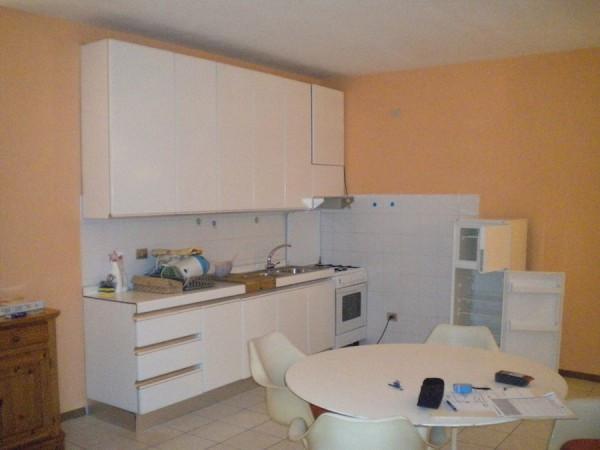 Appartamento in affitto a Merate, 2 locali, prezzo € 450   Cambio Casa.it