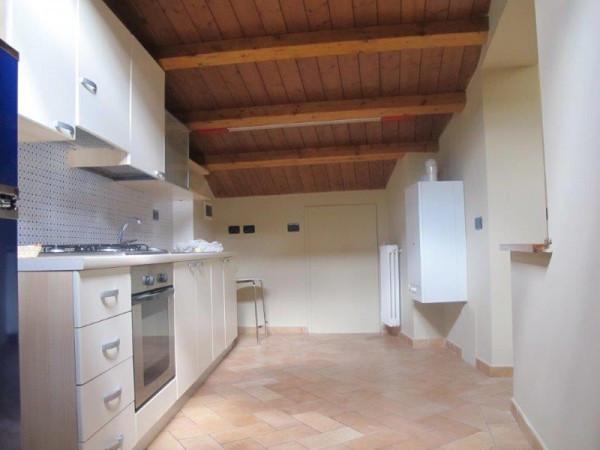 Appartamento in Affitto a Pistoia Centro: 3 locali, 60 mq