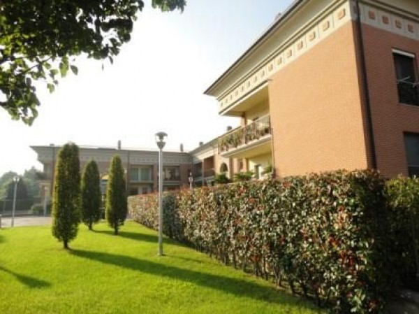 Appartamento in vendita a Muggiò, 3 locali, prezzo € 253.000 | Cambiocasa.it
