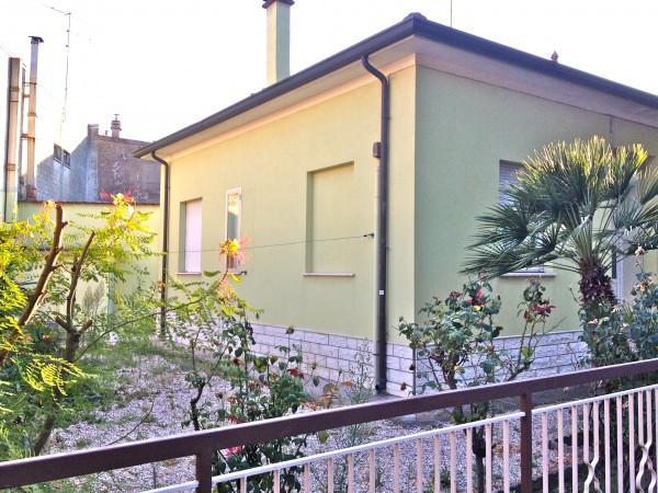 Villa in vendita a Cesenatico, 6 locali, prezzo € 640.000 | Cambio Casa.it