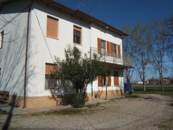 Soluzione Indipendente in vendita a Camposanto, 4 locali, prezzo € 140.000 | CambioCasa.it