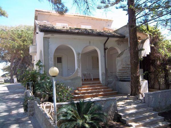 Villa in Vendita a Pachino Semicentro: 120 mq