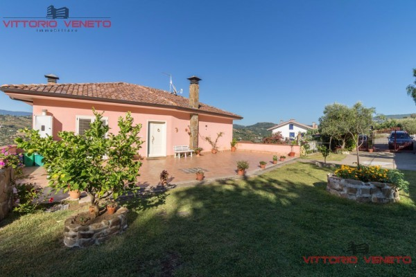 Villa in vendita a Agropoli, 6 locali, prezzo € 430.000 | CambioCasa.it
