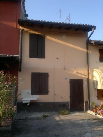 Soluzione Indipendente in vendita a Borghetto Lodigiano, 3 locali, prezzo € 70.000 | Cambio Casa.it