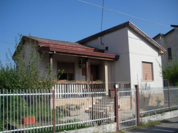 Casa indipendente in vendita a mira piazza malcontenta for Comprare garage indipendente