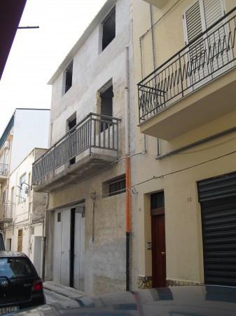 Palazzo / Stabile in vendita a Alcamo, 4 locali, Trattative riservate | Cambio Casa.it