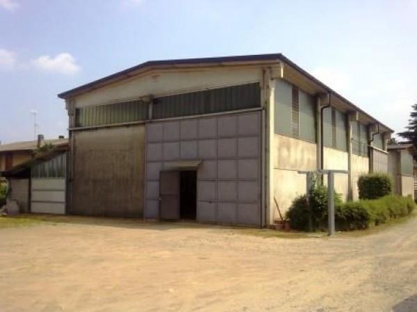 Capannone in vendita a Oleggio, 1 locali, prezzo € 180.000 | Cambio Casa.it